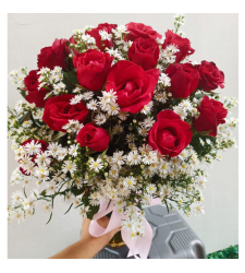 send arrangement of 24 red roses vase to cebu