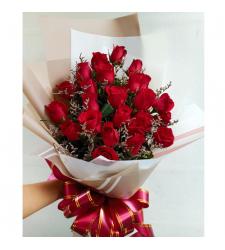 send 2 dozen red color roses in bouquet to Cebu